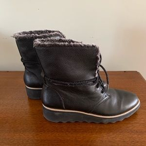 Clarks Black Leather Lace-up Booties, size 9